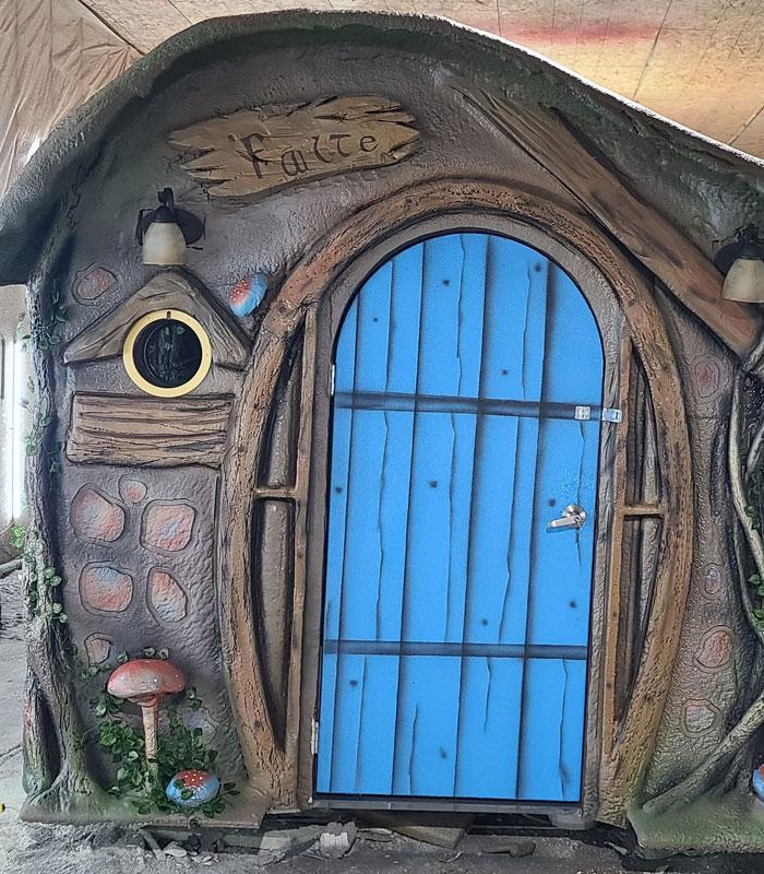 Hobbit Sprayfoam Playhouse